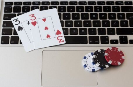 Make Real Money by Cheating At Online Poker